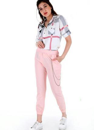 Новенькие джогеры, спортивные штаны, брюки классические однотонный цвет пудра розовые с цепочкой  классический крой