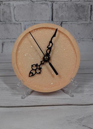 Нежные пудровые часы на рабочий стол в офис подарок сувенир  эксклюзив годинник