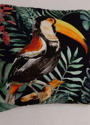Декоративная подушка ikea принт тукан птица и зелёные листья