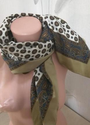 Поделиться:  шейный платок, косынка атласная, шарф классика