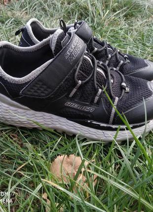 Продам детские кроссовки skechers на липучке 33.5 р.