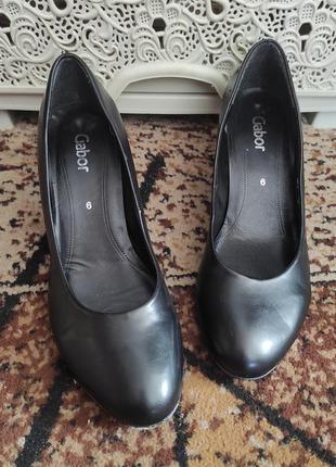 Туфли gabor. черные кожаные. размер 6. стелька 24см.
