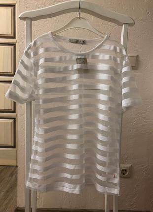 Полупрозрачная футболка
