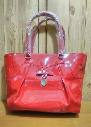 Новая большая красная сумка-шоппер лаковая/глянцевая ferre milano