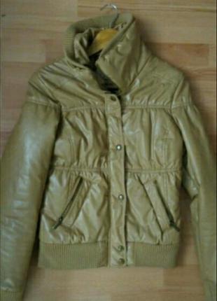 Продам куртку демисезонную berska