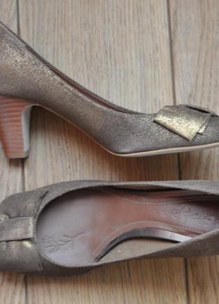 Красивые брендовые туфли, натуральная кожа!