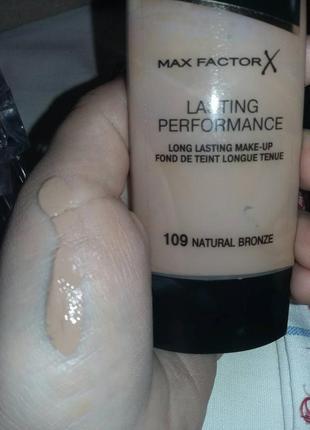Тональная основа max factor lasting performance # 109