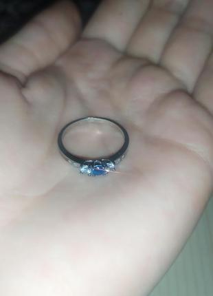 Кольцо серебро 925 проба с камнями цирконий белые и голубой нежное колечко 18 размер