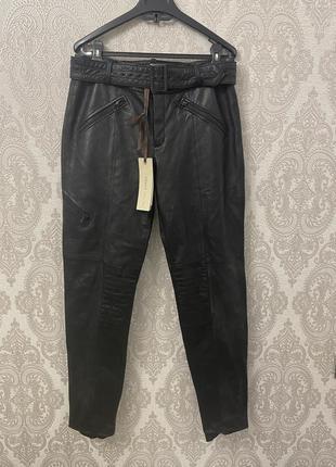 Нереальные брюки из телячьей кожи