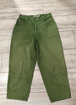 Брюки джинсы мом