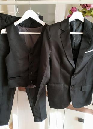 Брючний костюм - трійка
