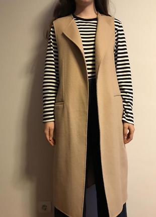 Шерстяное пальто-жилет