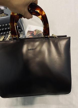 Bagoucci сумка в интересном дизайне