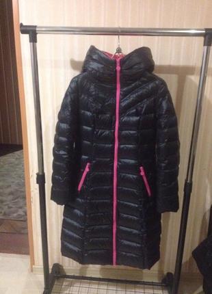 Фирменное зимнее пальто - пуховик