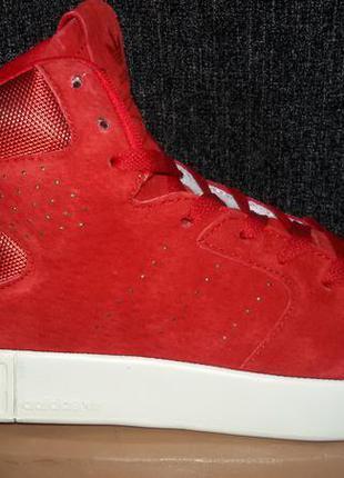 Завышеные кроссовки