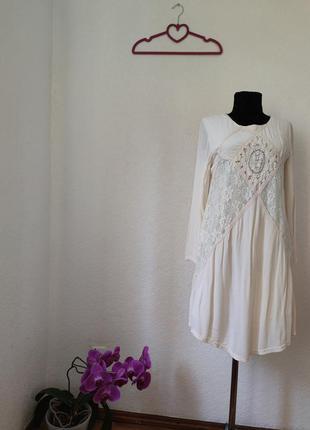Шикарное кружевное платье pull&bear