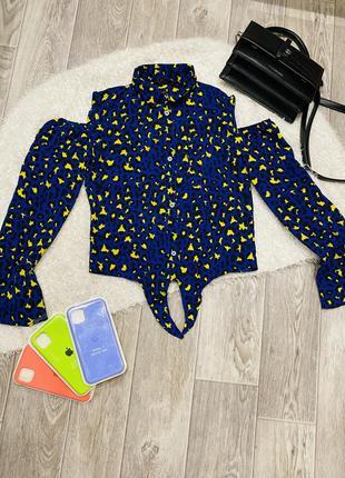 Рубашка с открытыми плечами в леопардовый принт