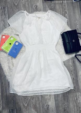 Нарядное воздушное  белое платье hollister