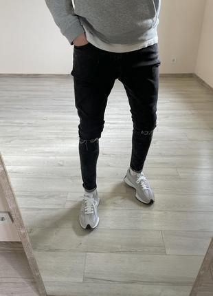 Зауженные джинсы bershka рваные джинсы skinny
