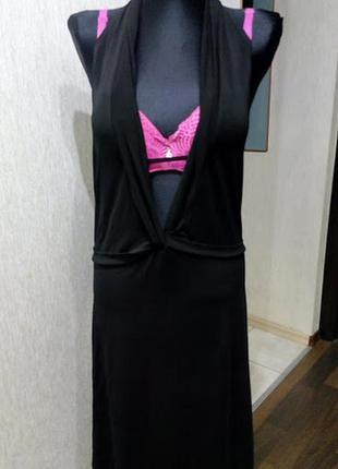Открытое платье с вырезами для смелой и стройной