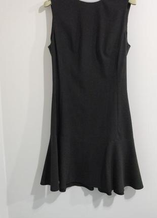 Обтягивающее короткое платье sisley