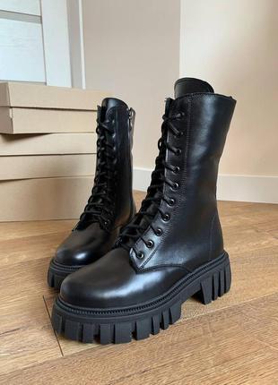 Женские чёрные зимнии высокие ботинки