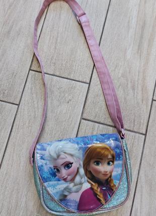 Яркая стильная сумочка!! на длинном ремешке.. (регулируется..)