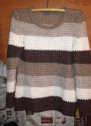 Уютный свитерок крупной вязки