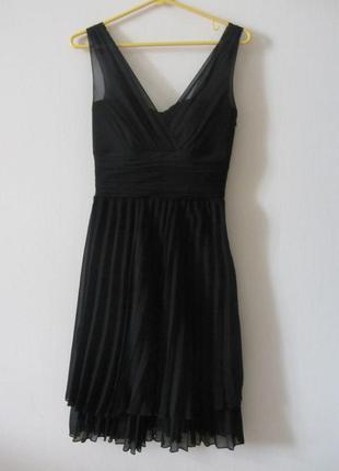 Нарядное черное платье с корсетом