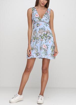Лёгкое платье в тропический принт
