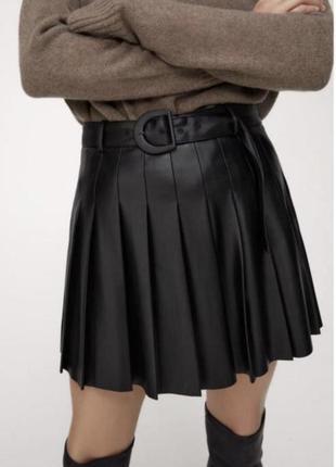 Zara шорти шкіряні пліссе з імітацією спідниці