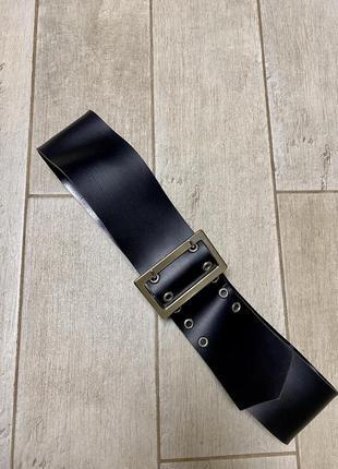 Чёрный широкий кожаный ремень