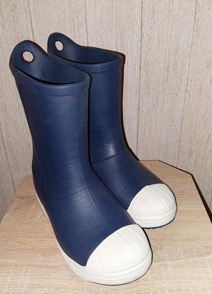 Резиновые ботинки crocs j2