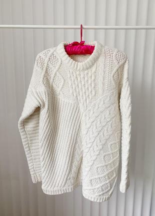 Теплий светр незвичної в'язки