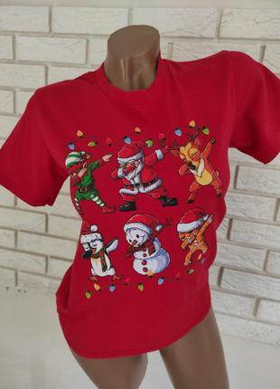 Классная хлопковая футболка с новогодними рисунками