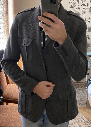 Темно-сірий піджак