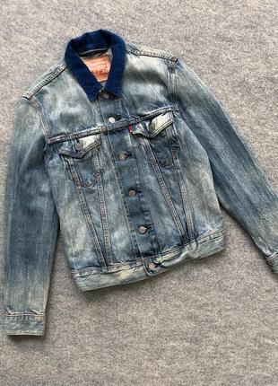 Культова джинсовка з вельветовими вставками levi's jeans denim wash jacket