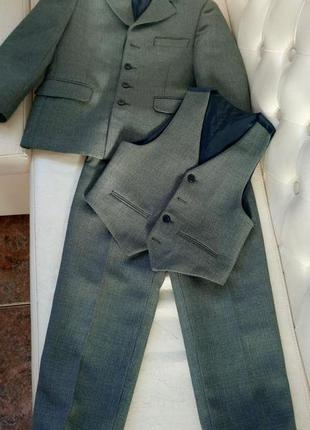 Школьный костюм на мальчика rado