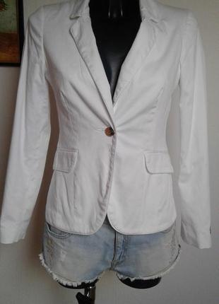 Белый пиджак жакет atmosphere