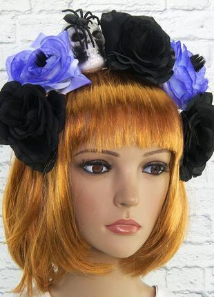 Украшение на хэллоуин венок на ободке из цветов с черепом и пауком + подарок