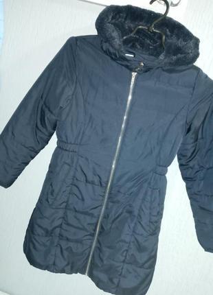 Пальто осенние. на девачку ростом 128-134