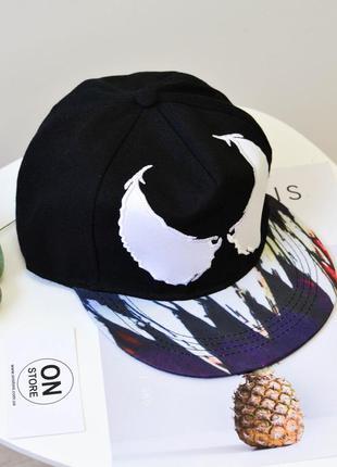 Модная кепка реперка venum черного цвета