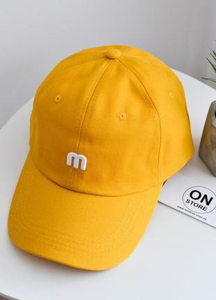 Модная кепка m желтого цвета