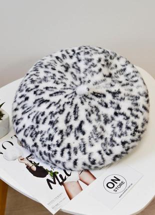 Модный женский берет мохеровый берет с леопардовым принтом белого цвета