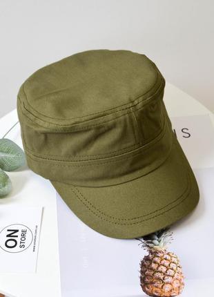 Кепка хлопковая зеленого цвета
