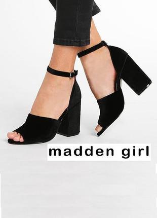Madden girl оригинал замшевые босоножки на удобном широком каблуке бренд из сша