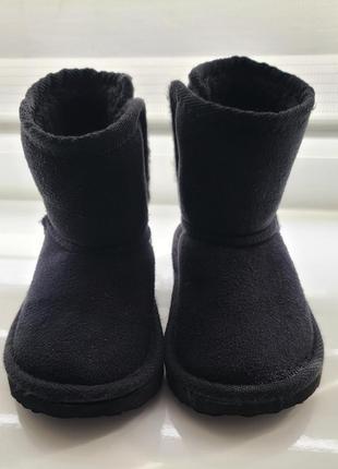 Угги. ботинки. чоботи. уггі