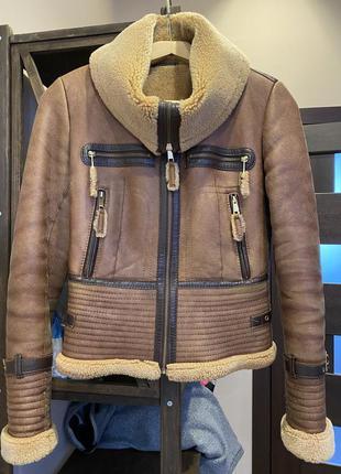 Жіноча шкіряна куртка, розмір s
