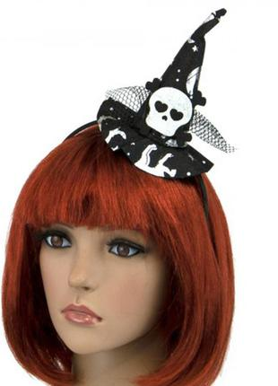 Шляпка на ободке ведьмочка с принтом черная с белым черепом +подарок