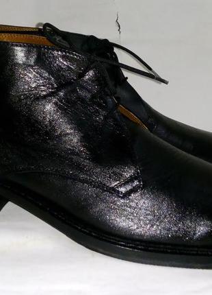 - фирменные кожаные ботинки классика - 44 -